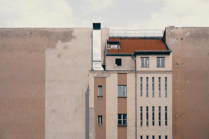 BERLINO 89, MURI DI IERI MURI DI OGGI.