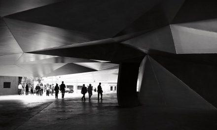 ARCHITETTURA NEL CINEMA: The Limit of Control